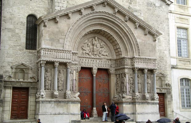 Iglesia de San Trófimo