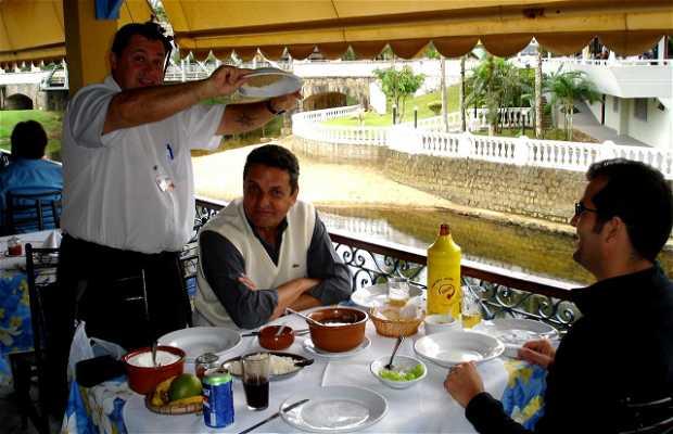 Comer barreado en Morretes