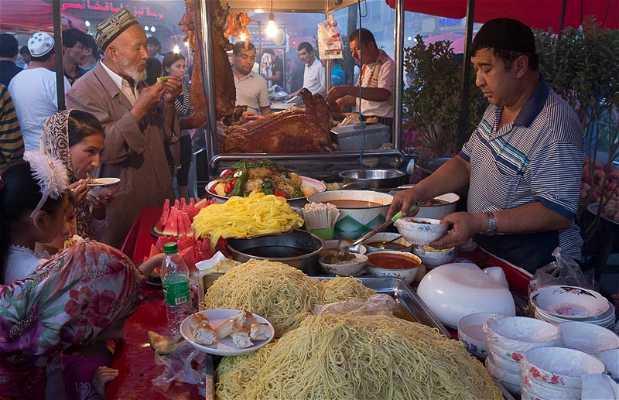 Mercado nocturno de comida uygur