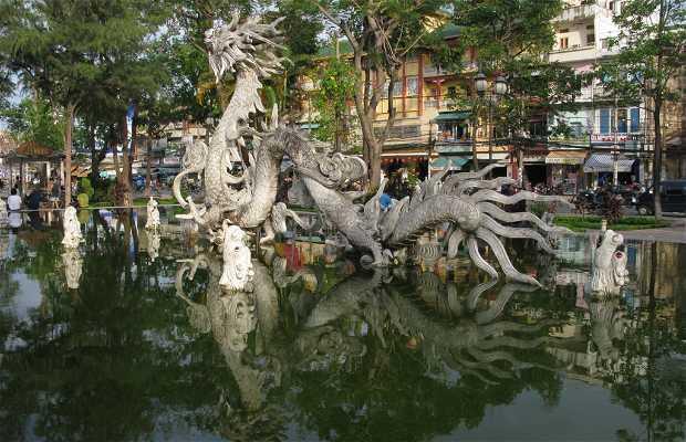 La Place de Hai Thung Lan Ong