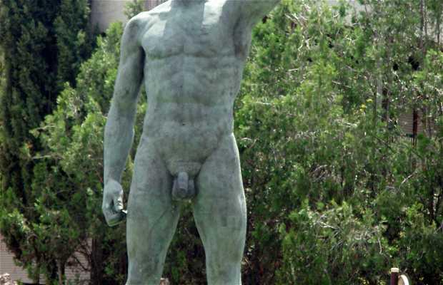 Statue of the Iberian Peasant