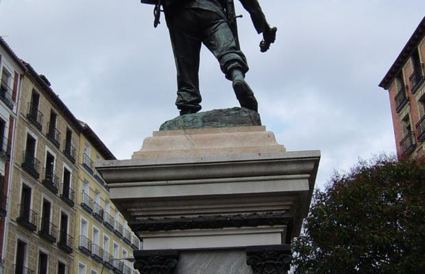 Statue to Eloy Gonzalo