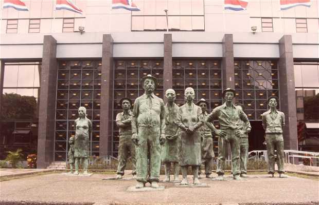 Monumento a los presentes