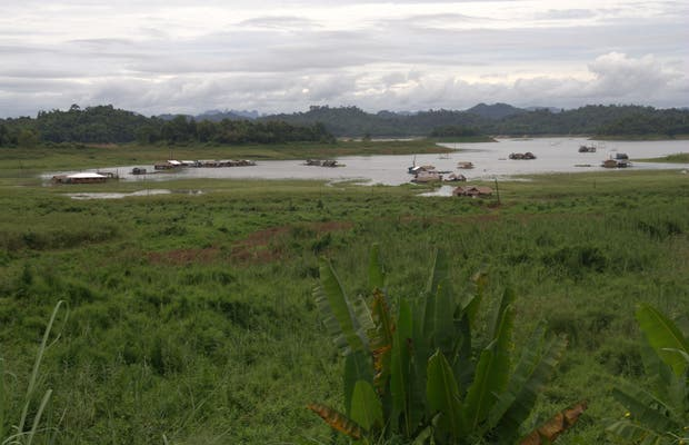 Lago Khao Laem