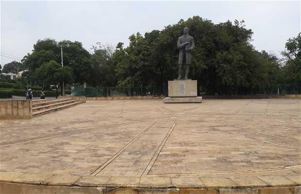 Estatua Gigante al General Santander
