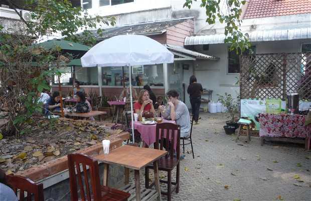 Pun Pun Organic Vegetarian Restaurant