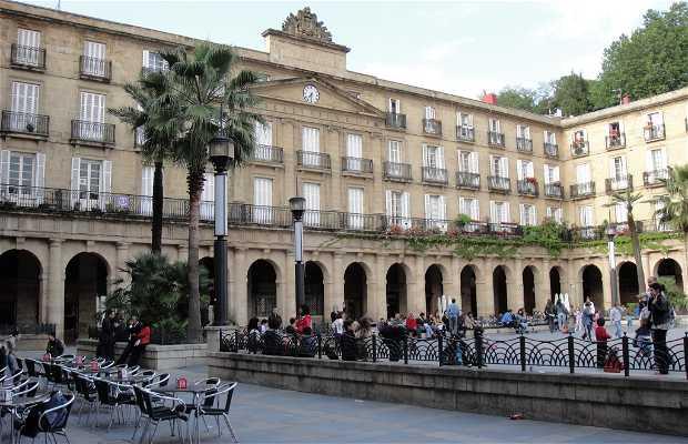 Pinchos en la Plaza Nueva
