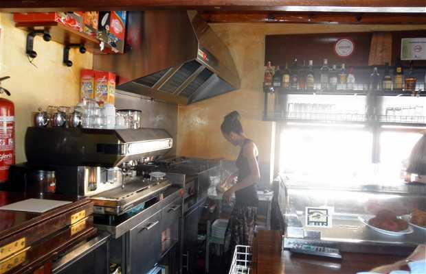 El Refugio bar