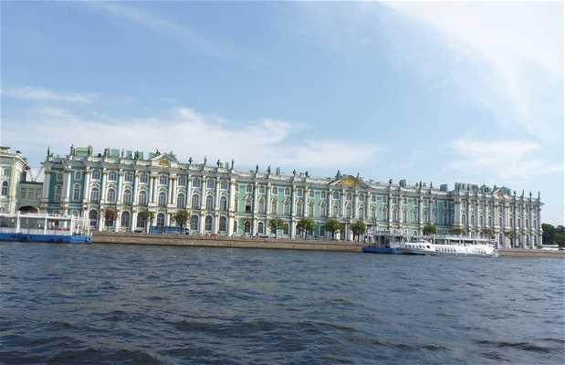 Giro in barca per i canali di San Pietroburgo