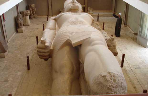 Colosso di Ramses II a El Cairo