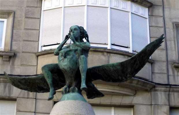 Monumento a los Héroes del Cómic
