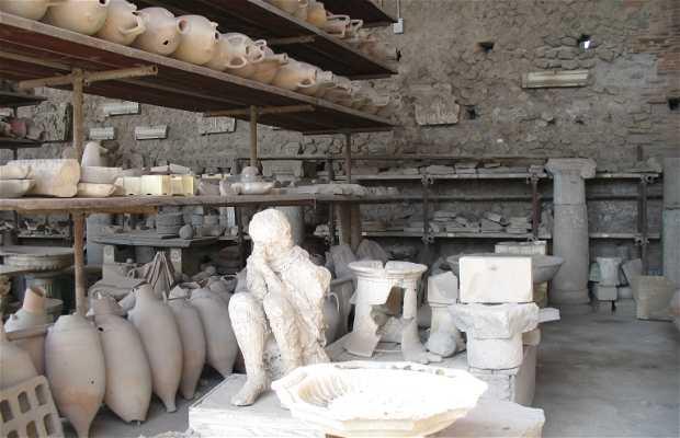 """Horreum de Pompeya o los """"Graneros del Foro"""""""