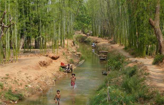 Un village près du lac Inle en Birmanie