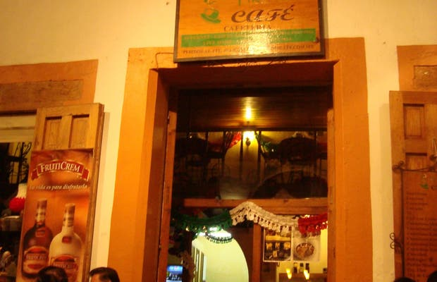Yik Café