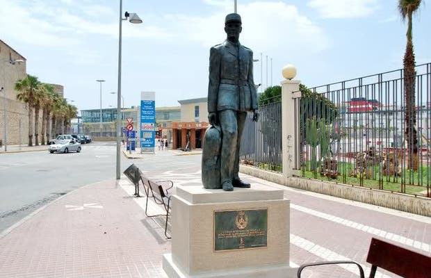 Estatua del Soldado de Reemplazo