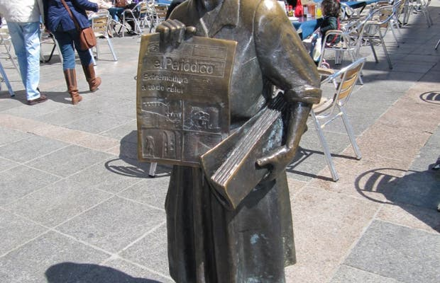 Monumento a Leoncia Gómez