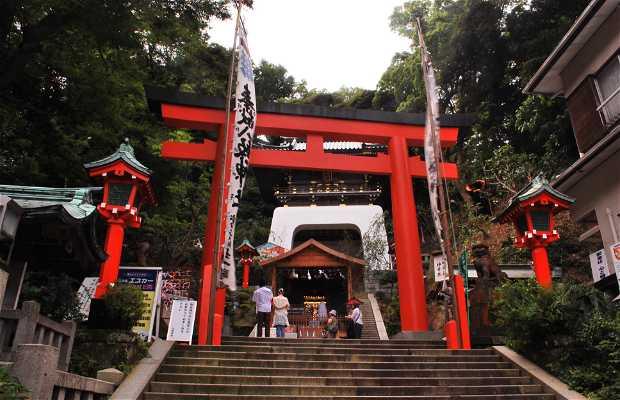 Enoshima Yasaka Jinja