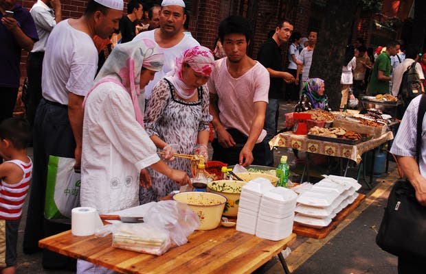 Puestos en el barrio Musulman de Guangzhou