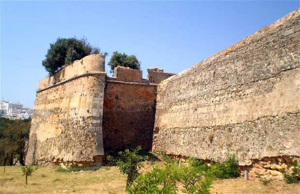 Muralhas e Torreões