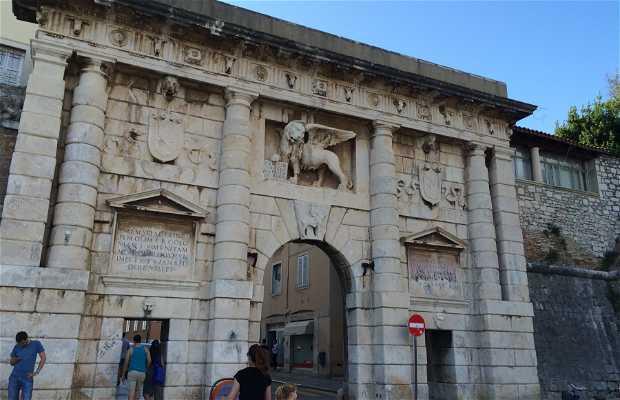 Puerta Zara - Terraferma