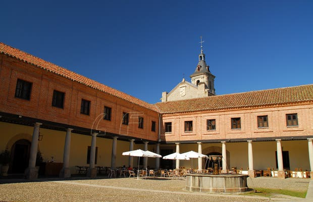 Patio del Ave Maria