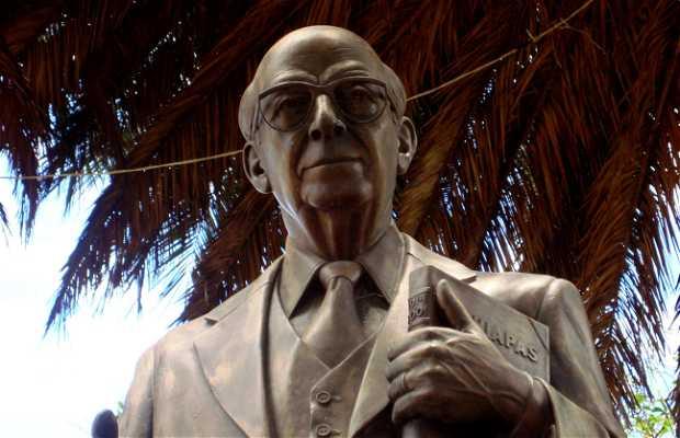 Monumento al Dr.Manuel Velasco