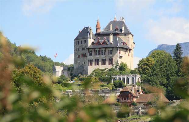 Castillo de Menthon Saint Bernard