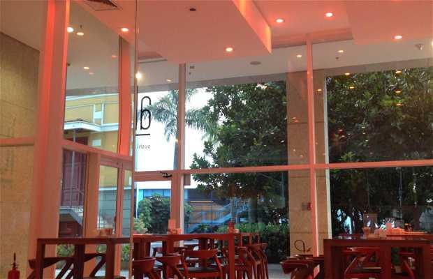 Alqui Sushi & Steak House