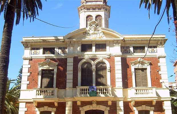 Ayora Park and mansion