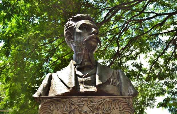 Monumento a César Bierrembach