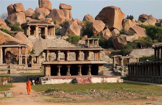 Nandi monolithique d'Hampi