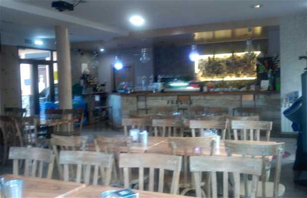 Restaurante-cafeteria. ARNAL
