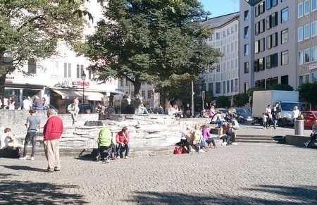 Plaza Lowenturm