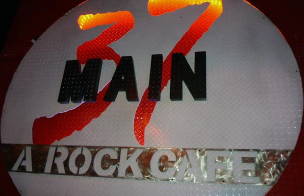 37 Main-A Rock Cafe