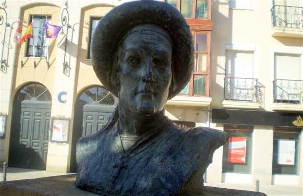 Plaza y Monumento al 1º Marqués de Santillana