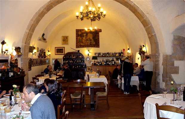 Restaurant and Taverna dei Caldora