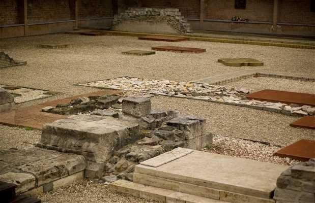 Jardín de ruinas romanas de Székesfehérvár
