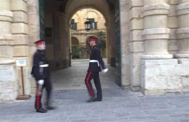 Cambio de Guardia en la Plaza San Gòrg