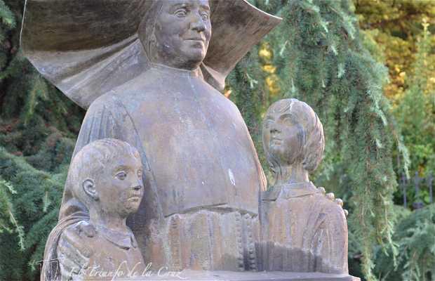 Monument to Sor Ignacia Idoate