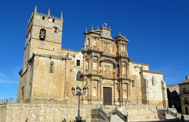 Iglesia de santa María de Gumiel de Izán