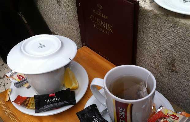 Café Luxor