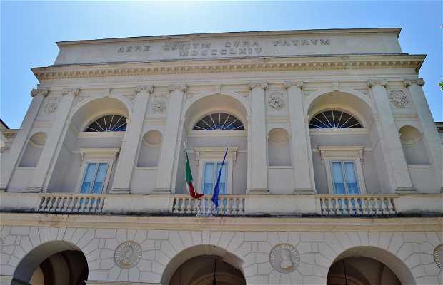 Teatro Nuovo Gian Carlo Menotti