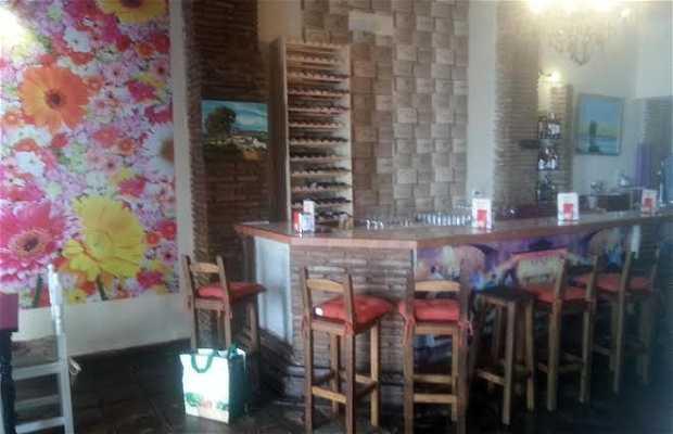 "Bar Restaurante ""Barra Fina"""