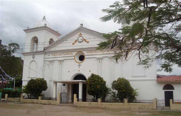 Iglesi Catolica Colonial de Manto