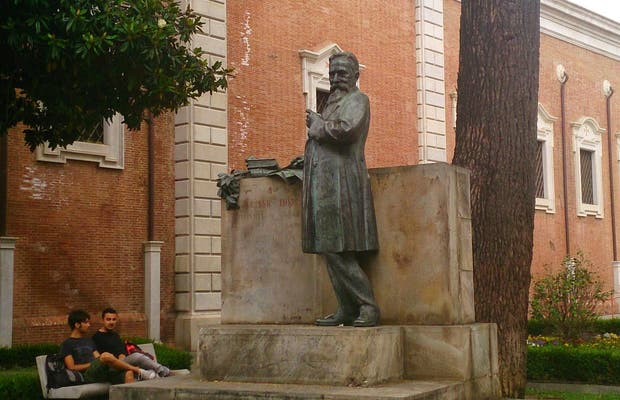 Statue Ulisse Dini