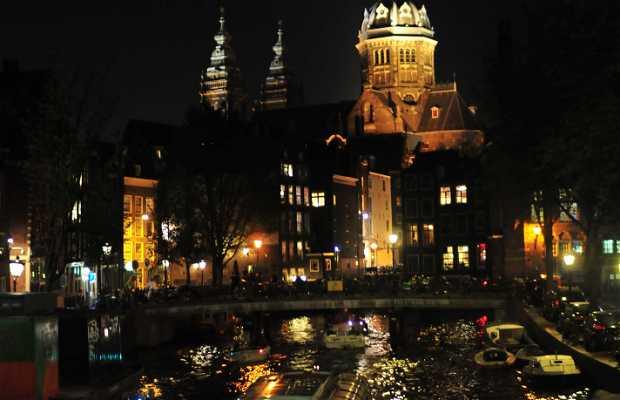 Marcha nocturna en Amsterdam