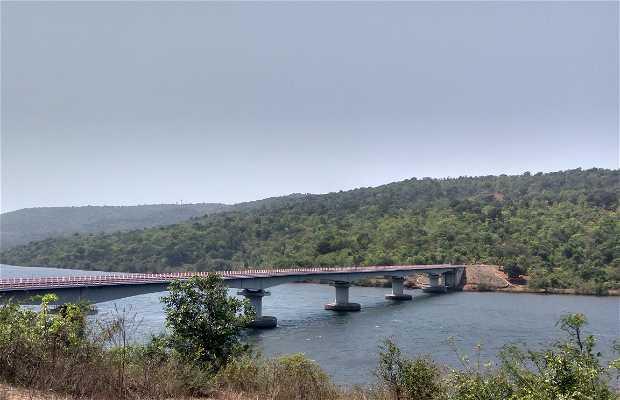 Puente de Rai Bhatgao