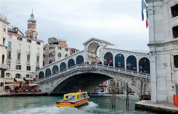 Vaporetto numero 2, antica linea 82 di Venezia