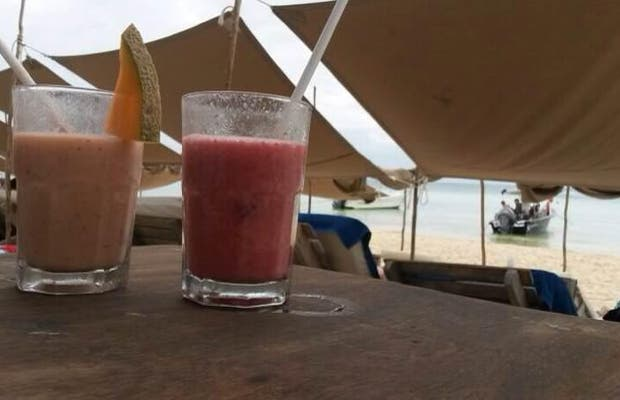 Zenzi Beach Bar & Restaurant