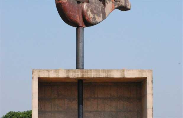 'La Mano Abierta' (Le Corbusier en India)